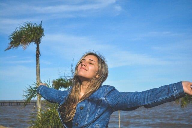 fernando-brasil-XM_2oqcbpIQ-unsplash (2) happy person